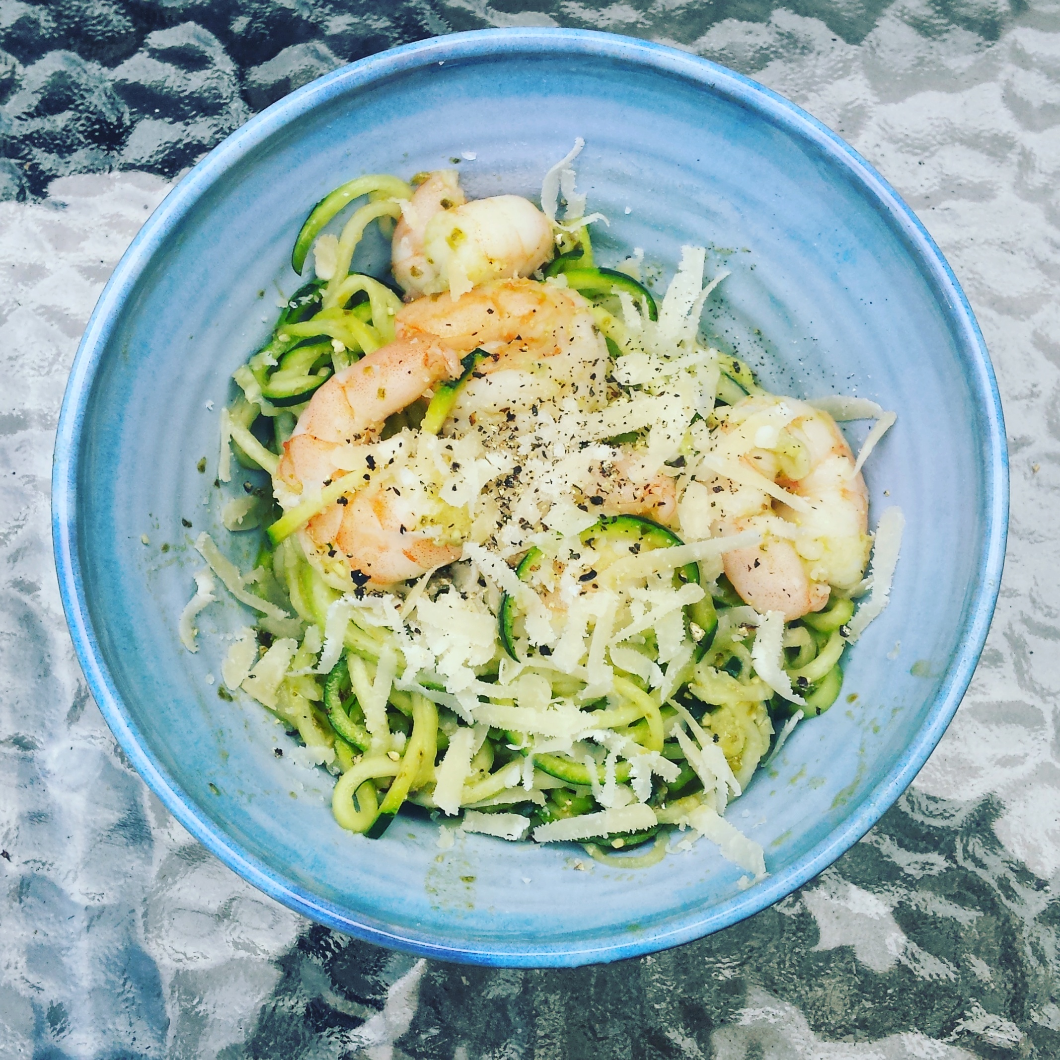 Prawn, pesto and courgetti